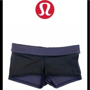 Lululemon black reversible shorts Sz 8